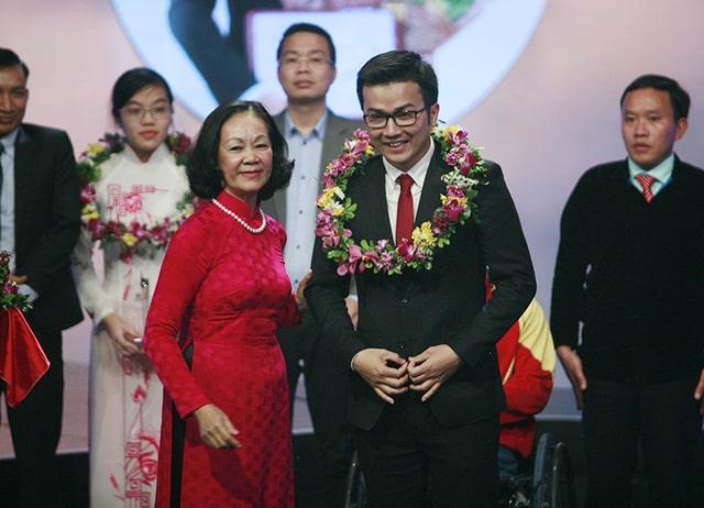 gương mặt trẻ Việt Nam tiêu biểu, Trần Xuân Bách, Y học dự phòng, Y tế công cộng