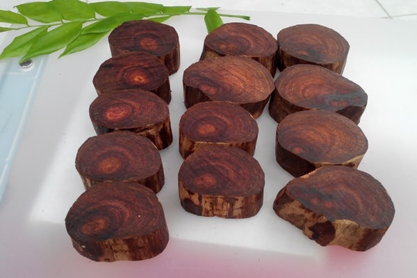 gỗ sưa đỏ, gỗ sưa đỏ bao nhiêu tiền 1kg, gỗ sưa có mấy loại, gỗ sưa có tác dụng gì