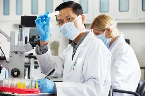 công nghệ sinh học ra làm gì, kỹ thuật viên, xét nghiệm, xét nghiệm HIV, xét nghiệm máu, xét nghiệm ADN