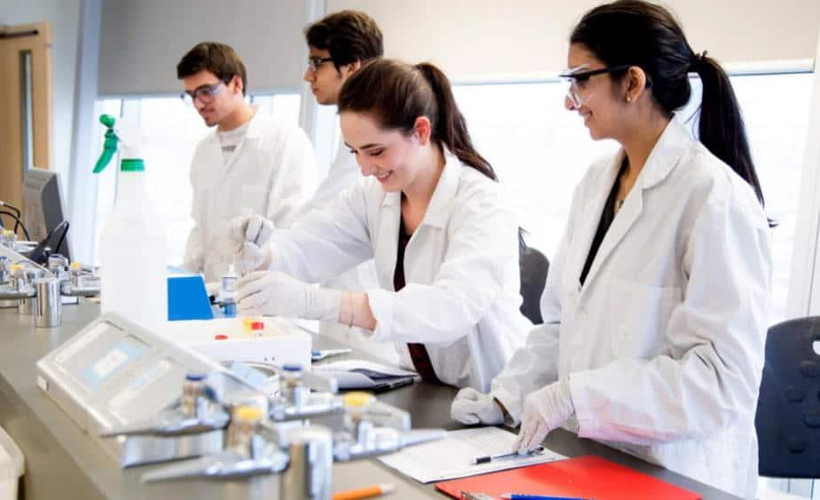 học công nghệ sinh học ra làm gì