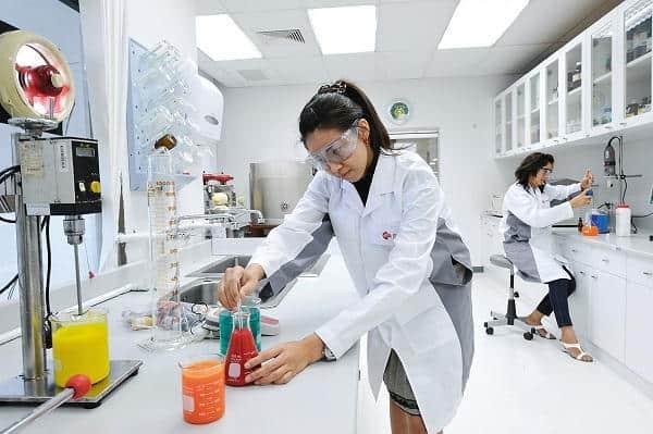 giảng viên ngành công nghệ sinh học