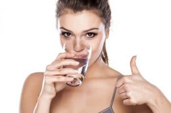 uống nước đúng cách, cách uống nước của người nhật, cách uống nước tốt cho sức khỏe, tạp chí, sinh học, sức khỏe