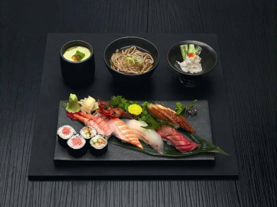 hải sản tươi sống, sashimi, ẩm thực nhật bản