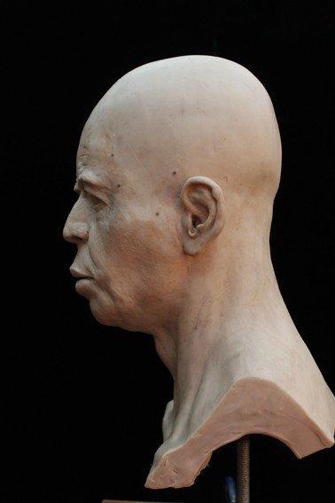 Jericho Skull được trải qua quá trình vi quét cắt lớp năm 2009, các nhà nghiên cứu mới có thể hình dung ra những bộ phận của con người bên dưới lớp thạch cao