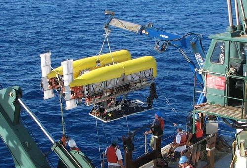 Sứ mệnh thám hiểm rãnh Mariana hiện phụ thuộc vào các tàu thăm dò.