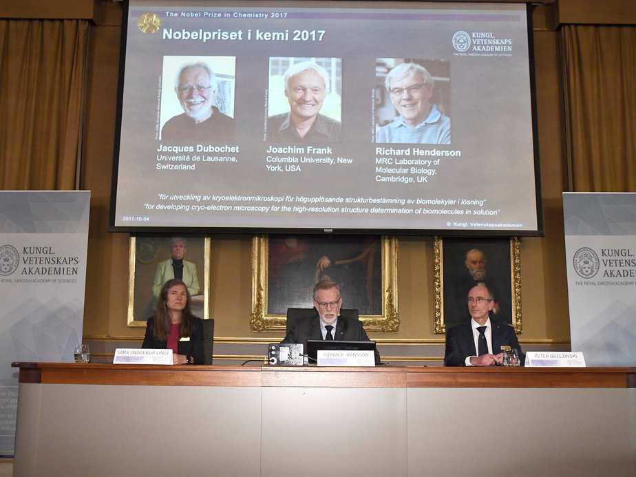 Nobel Hóa học 2017 cho ứng dụng hóa sinh học, Nobel, Nobel Hóa học 2017, mùa Nobel, cryo-EM, hiển vi điện tử lạnh, Viện Hàn Lâm Khoa học Hoàng gia Thụy Điển, Jacques Dubochet, Joachim Frank, Richard Henderson,